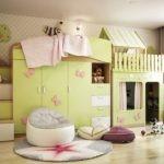 Игровой домик в детской комнате