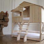 Детская двухъярусная кровать оригинального дизайна