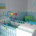 Детская кроватка со столиком для пеленания