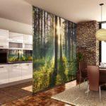 Фотообои на перегородке в кухне-гостиной