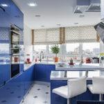 Синие дверцы кухонного гарнитура