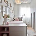 Узкая комната для девочки старшего школьного возраста