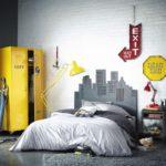 Желтый шкаф в детской комнате