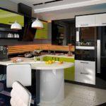 Дизайн современной кухни с полуостровом