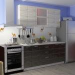 Линейная кухня с холодильником в углу