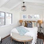 Дизайн спальни в дачном домике