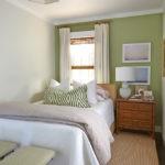 Ковровое покрытие в узкой спальне