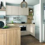 Рабочая зона в кухне гостиной