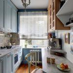 Интерьер узкой кухни в частном доме