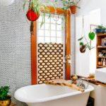 Комнатные растения в декоре ванной