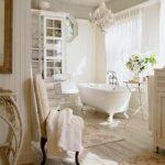 Большая ванная в классическом стиле