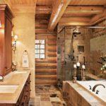 Бревенчатые балки на потолке ванной