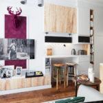 Декорирование современной гостиной картинами