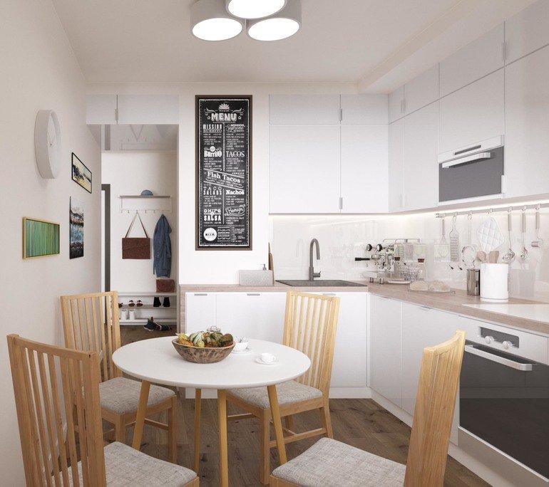 Грифельная доска на коробе вентиляции в кухне