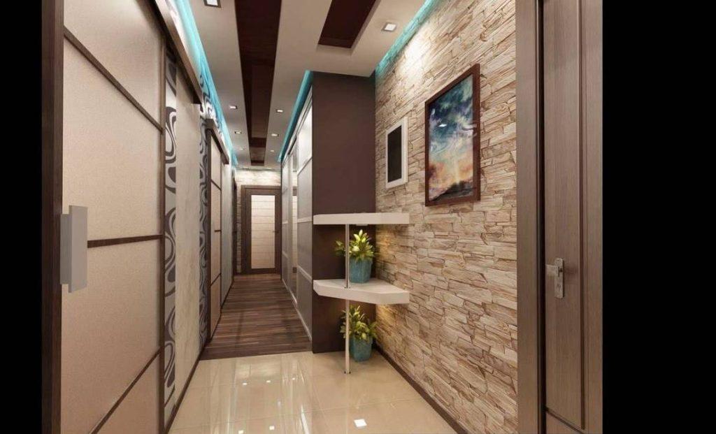 Облицовка стены коридора природным камнем