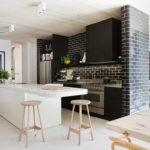 Декоративный кирпич в дизайне кухни столовой