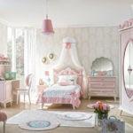 Розовые оттенки в интерьере детской