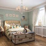 Сундук в комнате стиля прованс