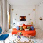 Разноцветная мебель в детской комнате