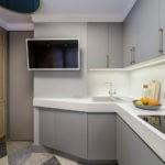 Серые дверцы кухонной мебели