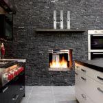 Имитация камина в интерьере кухни