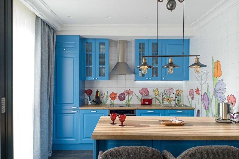 Линейная кухня синего цвета