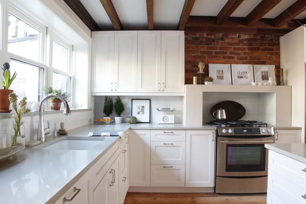 Кирпичная кладка в дизайне современной кухни
