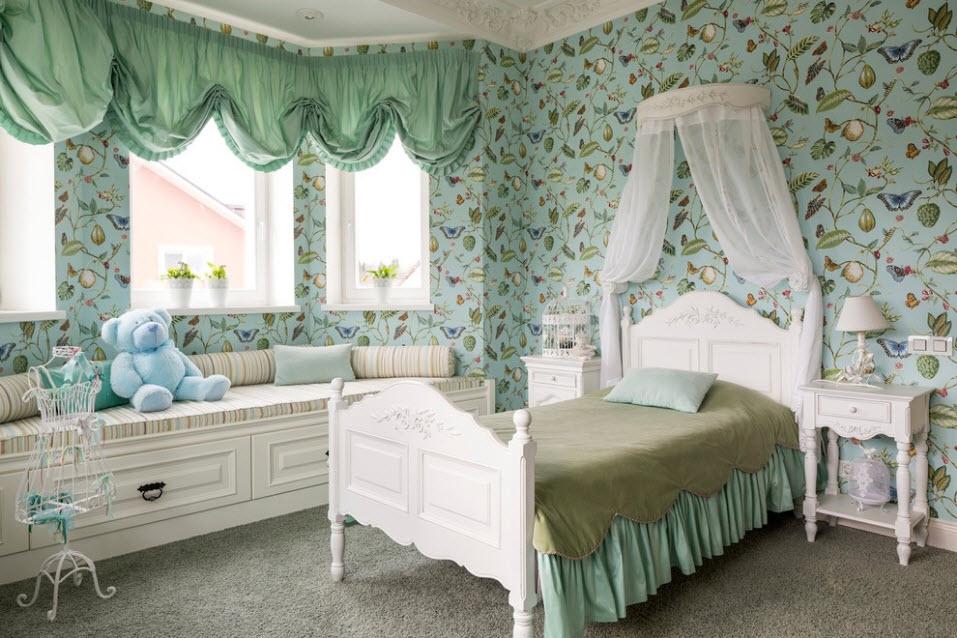 Ламбрекены на окнах комнаты для девочки подростка