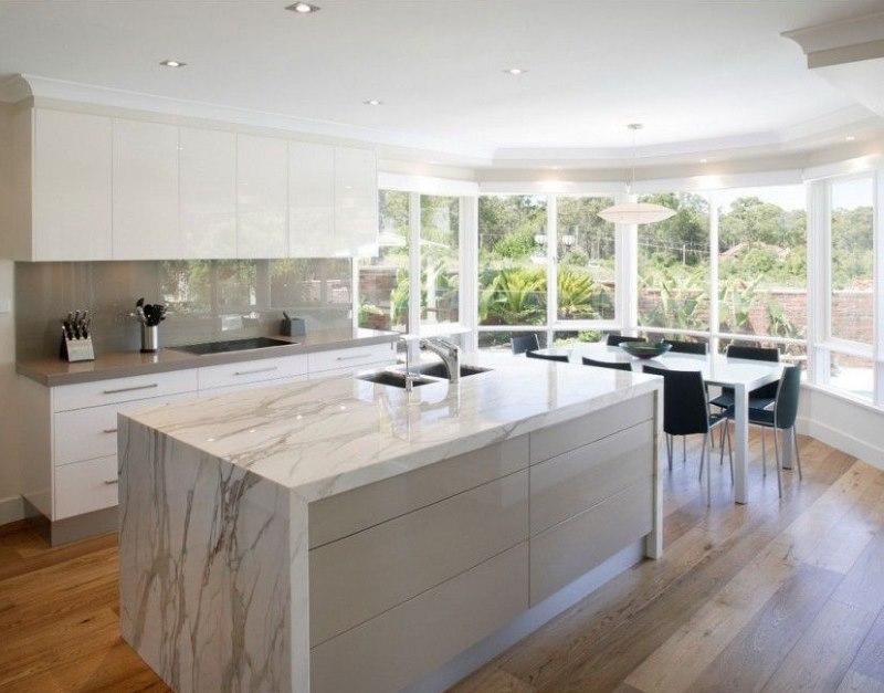 Панорамное остекление эркера в кухне