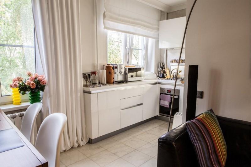 Кухня в хрущевке после объединения с гостиной