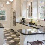 Кухонная мебель с каменной столешницей