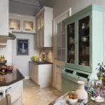 Интерьер узкой кухни прямоугольной формы