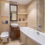 Удобные полочки для туалетных принадлежностей