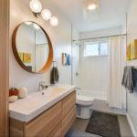 Занавеска над ванной в частном доме
