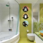 Ванная с салатовой плиткой на стене