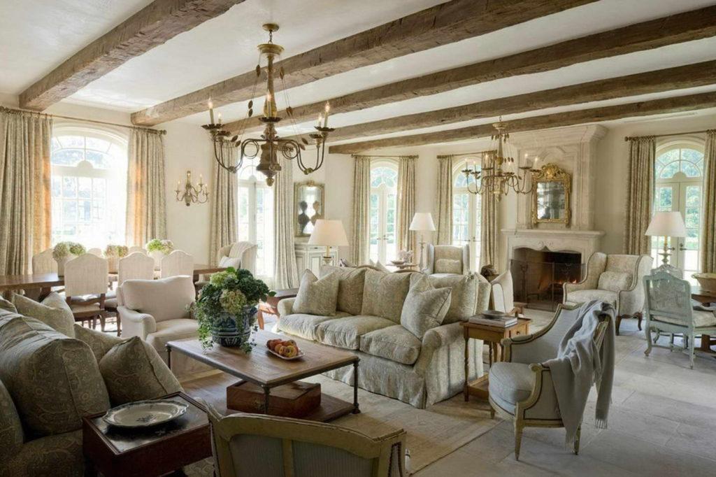 Просторная гостиная в стиле прованс