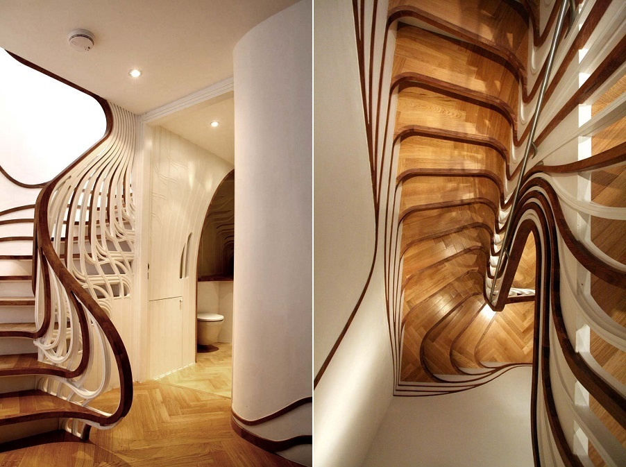Оригинальные перила из дерева на лестнице в прихожей