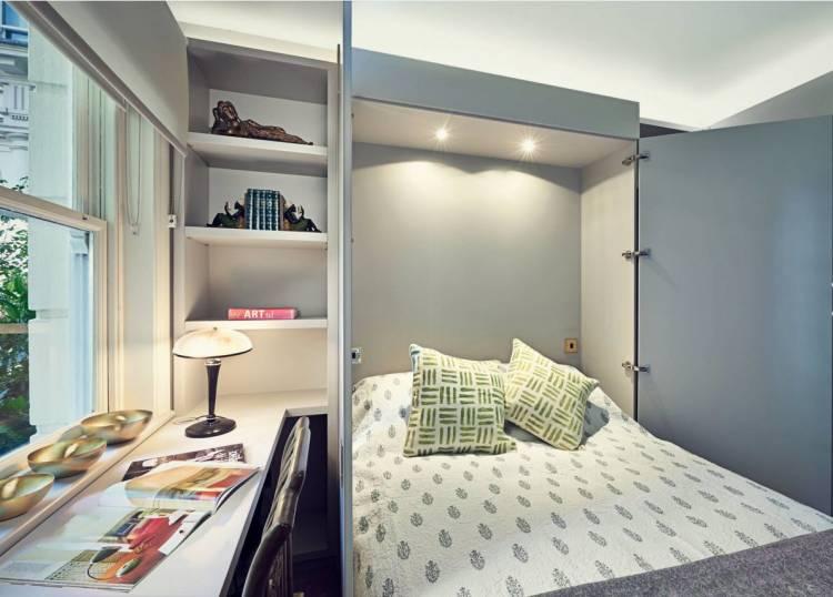 Кровать-трансформер в маленькой спальне