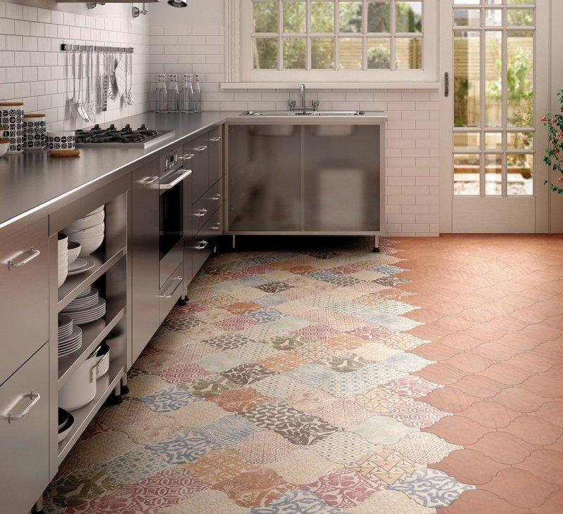 Зонирование современной кухни с помощью керамической кухни