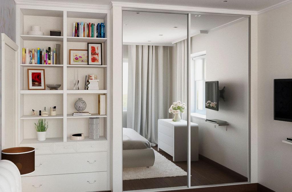 Двустворчатый шкаф-купе в малогабаритной спальне