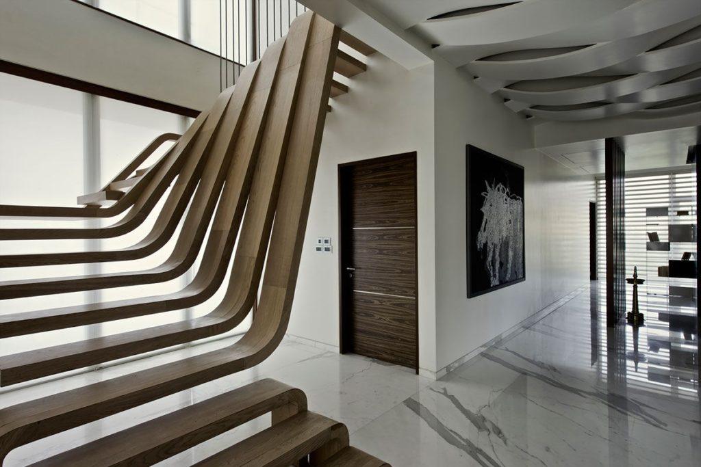 Оригинальная лестница футуристического дизайна