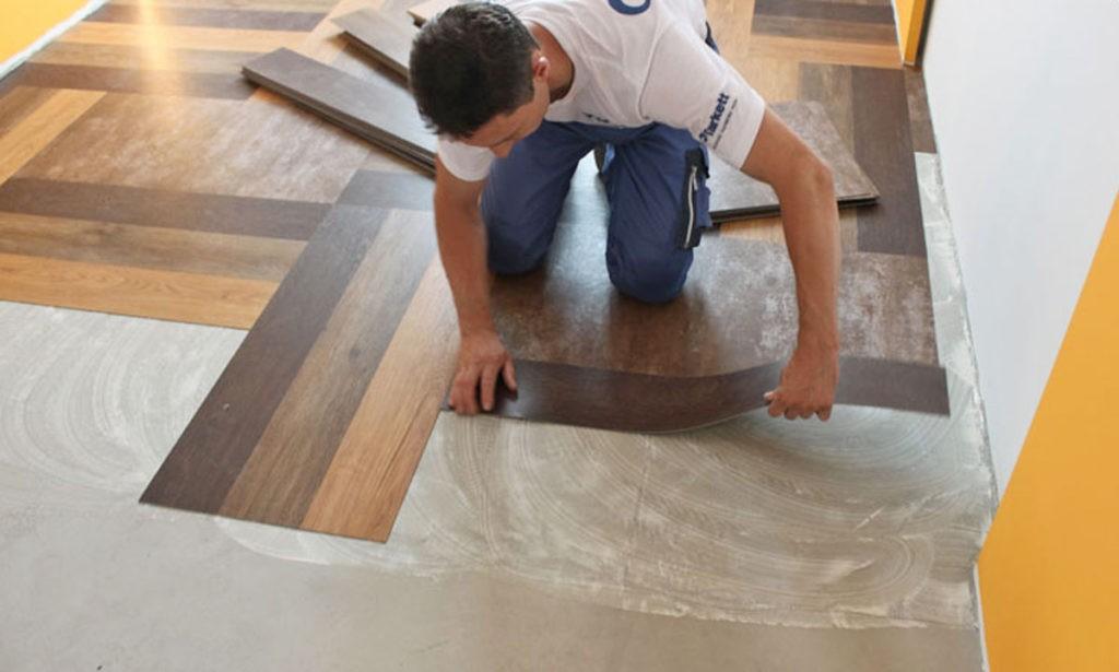 Укладка виниловой плитки на пол кухни своими руками