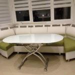 Комфортный диван для эркерной зоны кухни