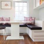 Черные сидения кухонной мебели