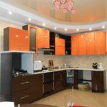 Дизайн кухни оранжевый с венге