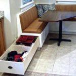 Длинный выдвижной ящик в кухонном гарнитуре