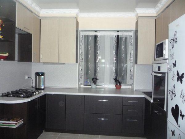 Сочетание светлых и темных оттенков для мебели