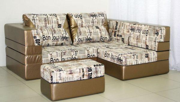 Бескаркасная диван-кровать для малогабаритной кухни