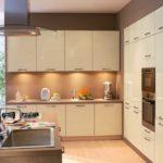 Подсветка рабочих поверхностей в стильной кухне
