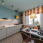 Оранжевые полоски на римской шторе
